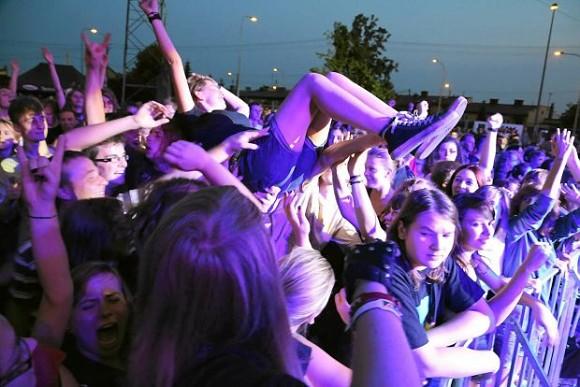 z12080467Q,Ubiegloroczny-koncert-Luxtorpedy-na-Festiwalu-Mlod